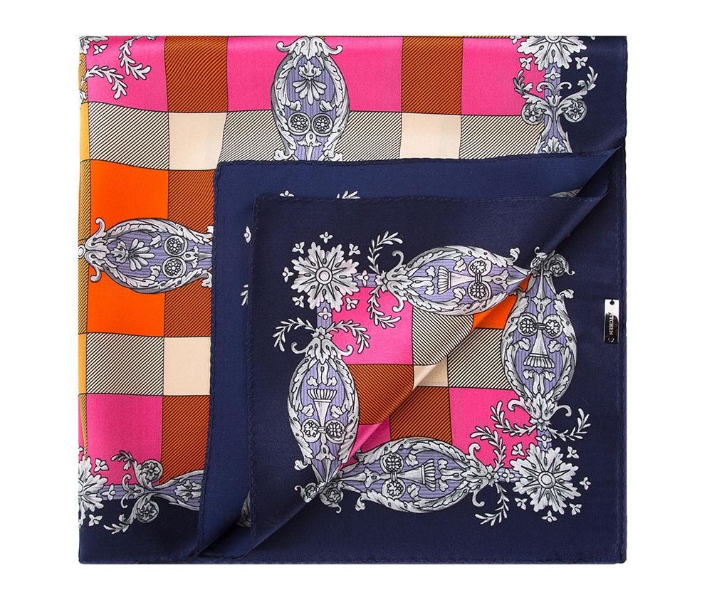 Платок женскийШелковый платок для женщин, сделан чрезвычайно трудоемкой техникой прокатки края. Имеет знак качества материала KING SILK. Яркий, модный, шелковый шарф к тому же очень приятный на ощупь. Такой шарф никогда не будет лишним в гардеробе и придаст образу совершенно новый вид. Он идеально подойдет для стильной леди.<br><br>секс: женщина<br>материал:: Шелк