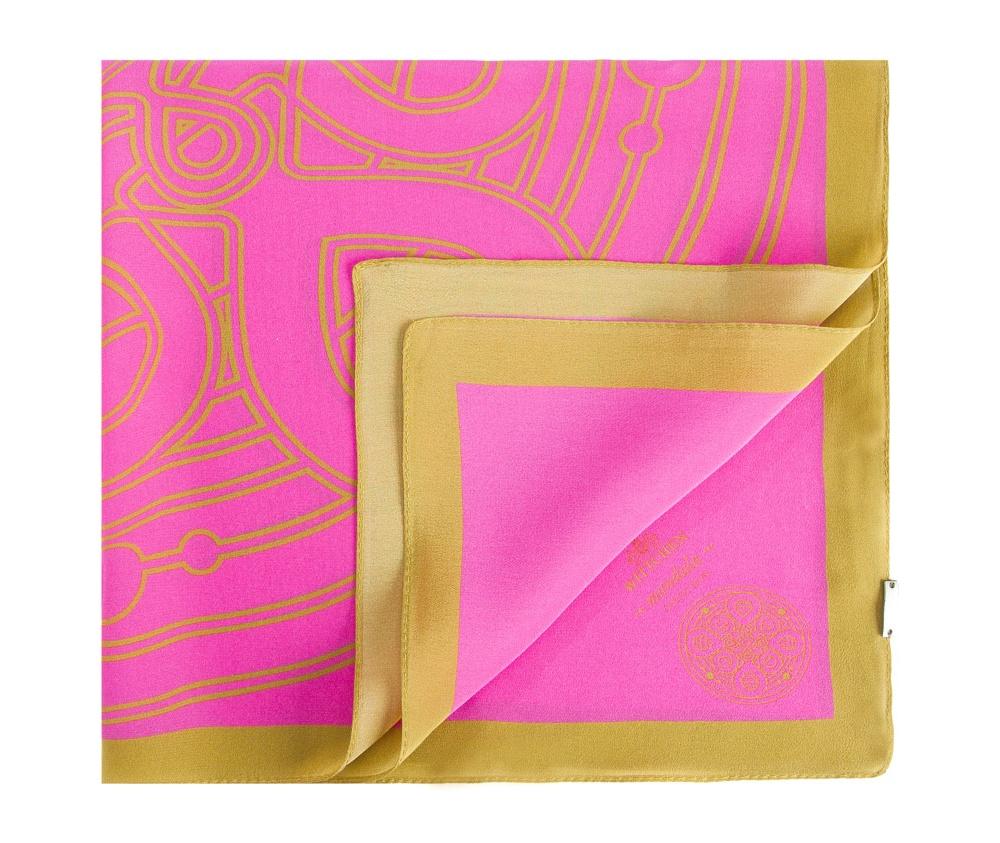 Шарф женскийЖенский шейный платок выполнен  из благородного шелка c знаком  наивысшего качества King Silk. Модель с узором мандалы - символом гармонии и совершенства , в сочетании с уникальным материалом создаст очень женственный образ.<br><br>секс: женщина<br>Цвет: розовый<br>материал:: Шелк