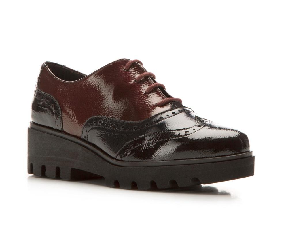 Обувь женская Wittchen 85-D-302-X, черно-бордовыйЭффектные женские ботинки выполнены по технологии \\\hand made\\\ из лучшей итальянской кожи наивысшего качества.<br><br>секс: женщина<br>Цвет: черный<br>Размер EU: 38<br>материал:: Натуральная кожа<br>примерная высота каблука (см):: 4,5