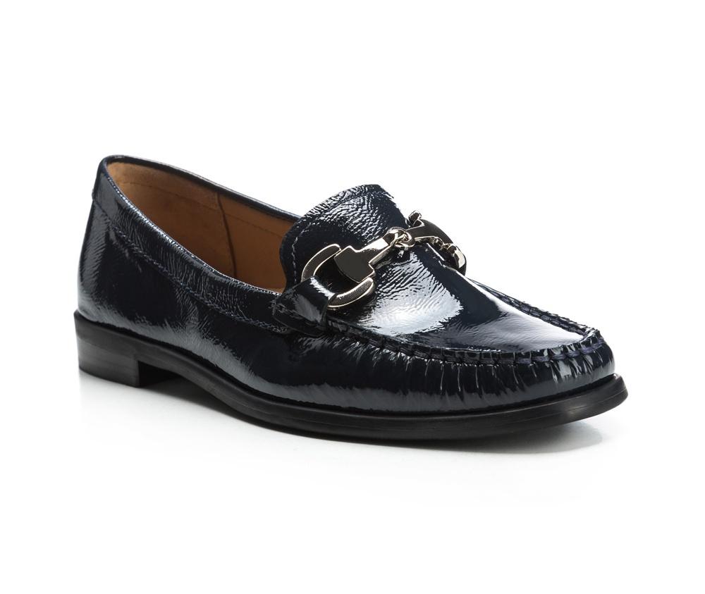 Обувь женскаяЖенские мокасины выполнены по технологии \hand made\ из лучшей итальянской кожи наивысшего качества. наивысшего качества.  Подошва полностью сделана из качественного синтетического материала.<br><br>секс: женщина<br>Цвет: синий<br>Размер EU: 35<br>материал:: Натуральная кожа<br>примерная высота каблука (см):: 2