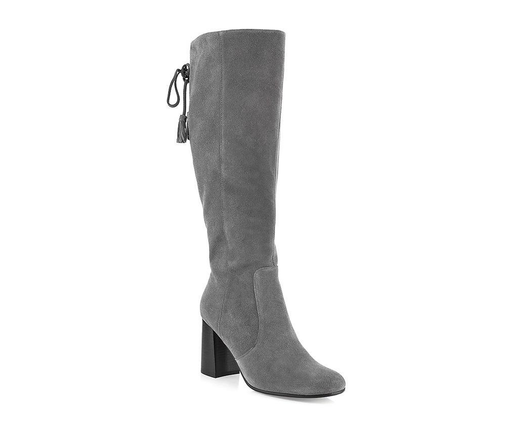 Обувь женскаяЖенские сапоги выполнены по технологии \hand made\ из лучшей итальянской кожи.  Подошва полностью сделана из качественного синтетического материала.<br><br>секс: женщина<br>Цвет: серый<br>Размер EU: 41<br>материал:: Натуральная кожа<br>примерная высота каблука (см):: 8,5