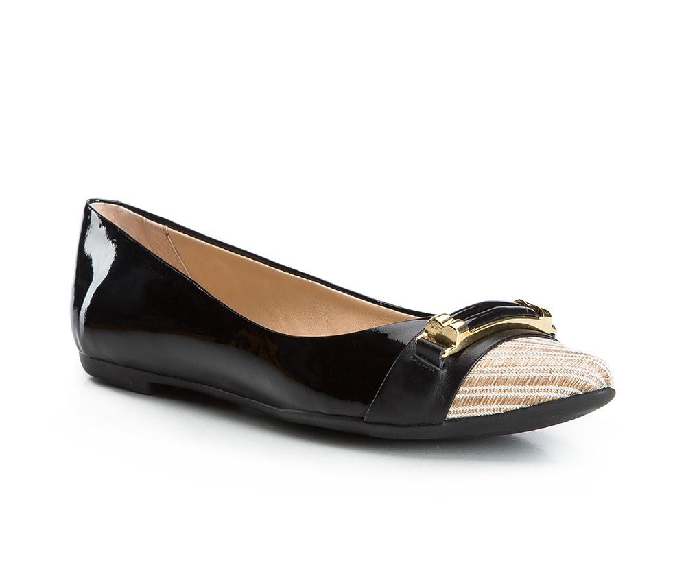 Обувь женскаяБалетки женские, изготовленные по технологии Hand Made и выполнены из натуральной итальянской кожи наивысшего качества. Подошва сделана из качественного синтетического материала. Выразительные украшения и принты, добавляют обуви элегантности которая прийдется по вкусу даже самым требовательным клиенткам.<br><br>секс: женщина<br>Цвет: черный<br>Размер EU: 36<br>материал:: Натуральная кожа