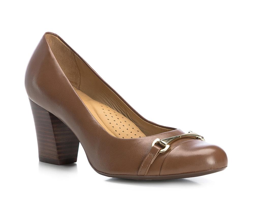 Обувь женскаяТуфли женские класcические.Изготовленные по технологии \Hand Made\ и выполнены полностью из натуральной итальянской кожи наивысшего качества. Подошва сделана из качественного синтетического материала. Эта модель обязательно должна быть в гардеробе женщины которая любит элегантность и клаcсику.<br><br>секс: женщина<br>Цвет: коричневый<br>Размер EU: 40<br>материал:: Натуральная кожа<br>примерная высота каблука (см):: 6