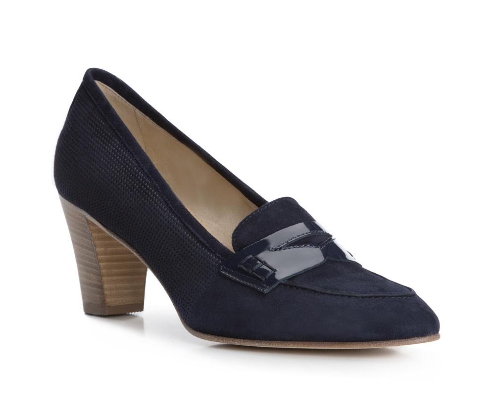 Обувь женскаяТуфли женские класические. Изготовленные по технологии Hand Made и выполнены полностью из натуральной итальянской кожи наивысшего качества. Подошва сделана из качественного синтетического материала. Эта модель обязательно должна быть в гардеробе женщины которая любит елегантность и класику<br><br>секс: женщина<br>Цвет: синий<br>Размер EU: 38<br>материал:: Натуральная кожа<br>примерная высота каблука (см):: 7