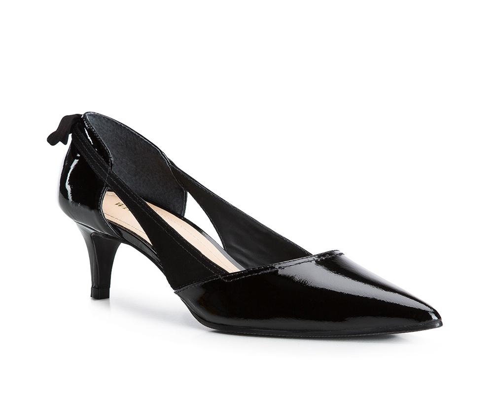 Обувь женская Wittchen 84-D-755-1, черныйТуфли женские классические. Изготовленные по технологии \\Hand Made\\ и выполнены из натуральной итальянской кожи наивысшего качества. Подошва сделана из качественного синтетического материала. Эта модель обязательно должна быть в гардеробе женщины которая любит элегантность и классику.<br><br>секс: женщина<br>Цвет: черный<br>Размер EU: 39<br>материал:: Натуральная кожа<br>примерная высота каблука (см):: 5,5
