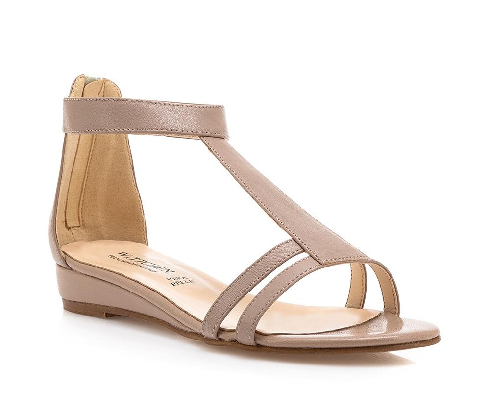 Обувь женскаяБосоножки женские . Изготовленные по технологии \Hand Made\ и выполнены полностью из натуральной итальянской кожи наивысшего качества. Подошва сделана из качественного синтетического материала. Платформа переходящая в котурну, добавляет ощущение стабильности и комфорта. Модель идеально подойдет с летними нарядами.<br><br>секс: женщина<br>Размер EU: 40