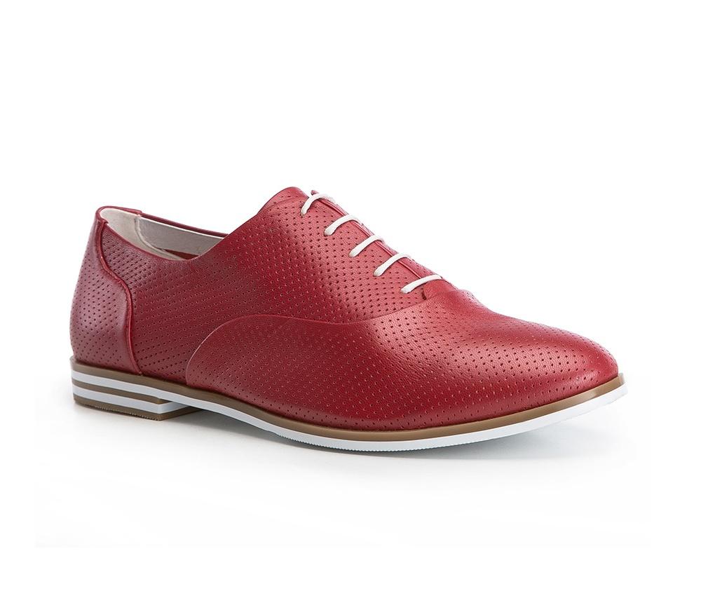 Обувь женскаяТуфли женские. Изготовленные по технологии Hand Made и выполнены полностью из натуральной итальянской кожи наивысшего качества. Подошва сделана из качественного синтетического материала. Сочетание ажурного узора контрастирующего с целыми вставками на подошве обеспечивает чрезвычайно стильный вид этой обуви. Придется по вкусу каждой моднице и отлично дополнит гардероб.<br><br>секс: женщина<br>Размер EU: 40<br>материал:: Натуральная кожа<br>примерная высота каблука (см):: 2