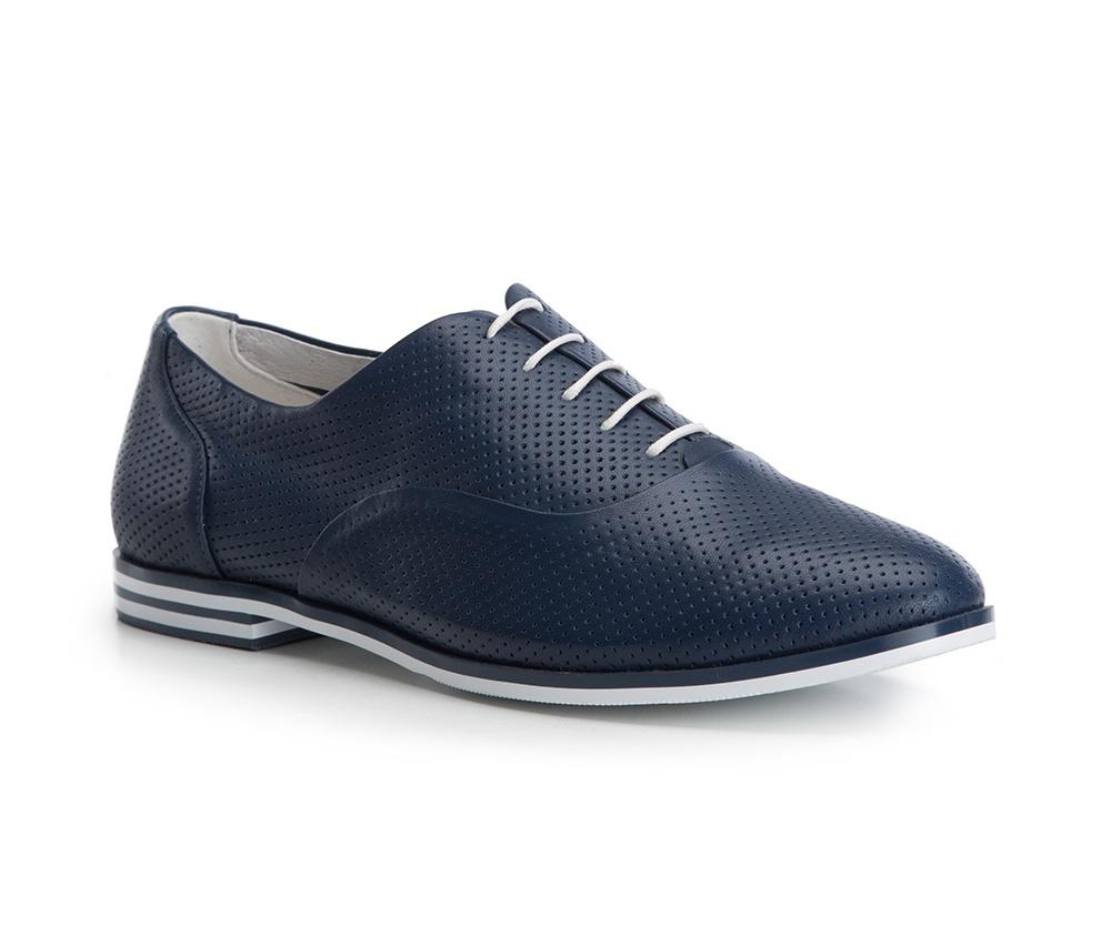 Обувь женскаяТуфли женские. Изготовленные по технологии Hand Made и выполнены полностью из натуральной итальянской кожи наивысшего качества. Подошва сделана из качественного синтетического материала. Сочетание ажурного узора контрастирующего с целыми вставками на подошве обеспечивает чрезвычайно стильный вид этой обуви. Придется по вкусу каждой моднице и отлично дополнит гардероб.<br><br>секс: женщина<br>Цвет: синий<br>Размер EU: 38<br>материал:: Натуральная кожа<br>примерная высота каблука (см):: 2