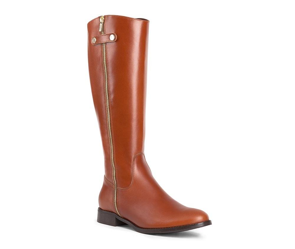Обувь женскаяЖенские сапоги выполненны по технологии hand made из лучшей итальянской кожи. Подошва сделана  из синтетического материала. Дополнительная золотая молния сбоку придает модели изысканности.            кожа натуральная           текстильный материал/ натуральная кожа         материал синтетический<br><br>секс: женщина<br>Цвет: коричневый<br>Размер EU: 39<br>материал:: Натуральная кожа<br>примерная высота каблука (см):: 3<br>примерная высота голенища (см): 39