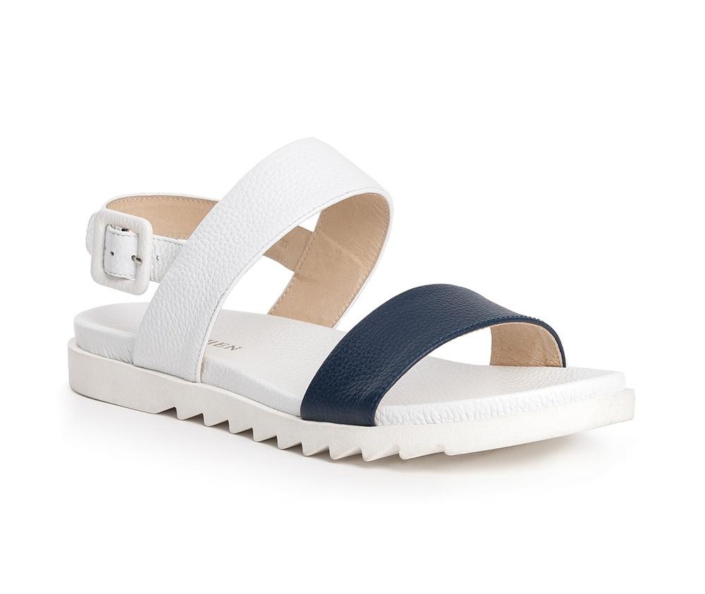 Обувь женскаяШлепанци женские изготовленные по технологии Hand Made и выполнены полностью из натуральной итальянской кожи наивысшего качества. Подошва сделана из качественного синтетического материала. Городской дизайн этих сланцев не был лишен женского характера.<br><br>секс: женщина<br>Цвет: белый<br>Размер EU: 38<br>материал:: Натуральная кожа