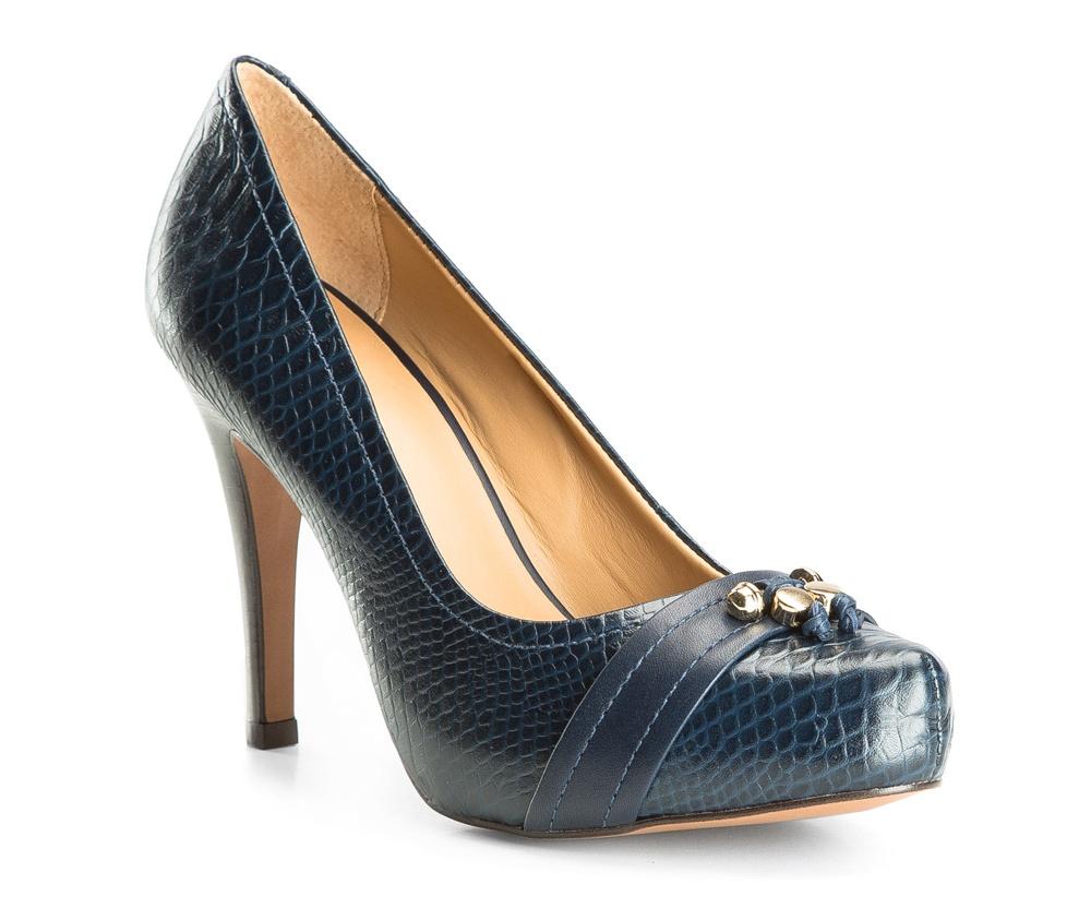 Обувь женскаяЖенские туфли-лодочки выполненны по технологии hand made из лучшей итальянской кожи. Подошва сделана  из синтетического материала. Скрытая платформа повышает комфорт при ходьбе. Эта модель прекрасно дополнит вечерние наряды.           кожа натуральная          кожа натуральная          материал синтетический<br><br>секс: женщина<br>Цвет: синий<br>Размер EU: 37<br>материал:: Натуральная кожа<br>примерная высота каблука (см):: 10,5