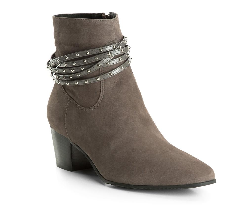 Обувь женскаяПолусапожки  для женщин, изготовленные по технологии Hand Made выполнены полностью из натуральной итальянской кожи наивысшего качества. Подошва полностью сделана из качественного синтетического материала. Классическая модель с очень стабильным каблуком украсит ногу каждой женщины. Подойдет в сочетании с каждой стилизацией.<br><br>секс: женщина<br>Цвет: серый<br>Размер EU: 41<br>материал:: Натуральная кожа<br>примерная высота каблука (см):: 5,5<br>примерная высота голенища (см): 13,5