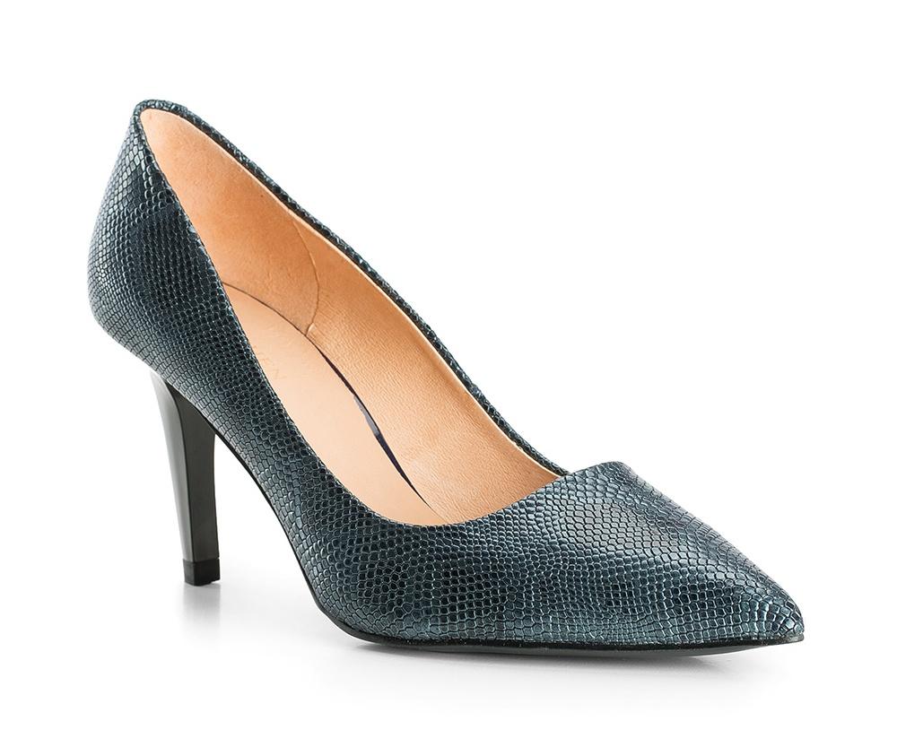 Обувь женскаяЖенские туфли-лодочки выполненны по технологии hand made из лучшей итальянской кожи. Подошва сделана  из синтетического материала.Мелкий, слегка глянцевый узор, покрывающий поверхность, подчеркивает женственность и придает модели уникальности.         кожа натуральная          кожа натуральная          материал синтетический<br><br>секс: женщина<br>Цвет: синий<br>Размер EU: 36<br>материал:: Натуральная кожа<br>примерная высота каблука (см):: 8