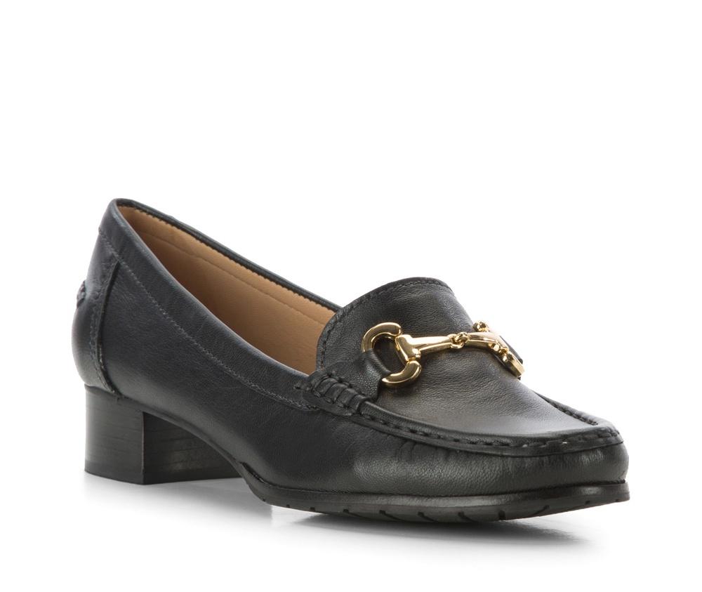 Обувь женскаяЖенские мокасины выполненны по технологии hand made из лучшей итальянской кожи. Подошва сделана  из синтетического материала. Более высокий каблук делает мокасины более элегантными.        кожа натуральная          кожа натуральная          материал синтетический<br><br>секс: женщина<br>Цвет: черный<br>Размер EU: 35<br>материал:: Натуральная кожа<br>примерная высота каблука (см):: 3,5
