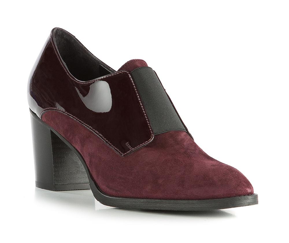 Обувь женскаяЖенские ботильоны выполненны по технологии hand made из лучшей итальянской кожи. Подошва сделана  из синтетического материала. Оригинальность обуви придает сочетание разных видов кожи в одной  цветовой гамме . Модель будет отлично дополнять осенний гардероб.            кожа натуральная          кожа натуральная          материал синтетический<br><br>секс: женщина<br>Цвет: красный<br>Размер EU: 36<br>материал:: Натуральная кожа<br>примерная высота каблука (см):: 7,5
