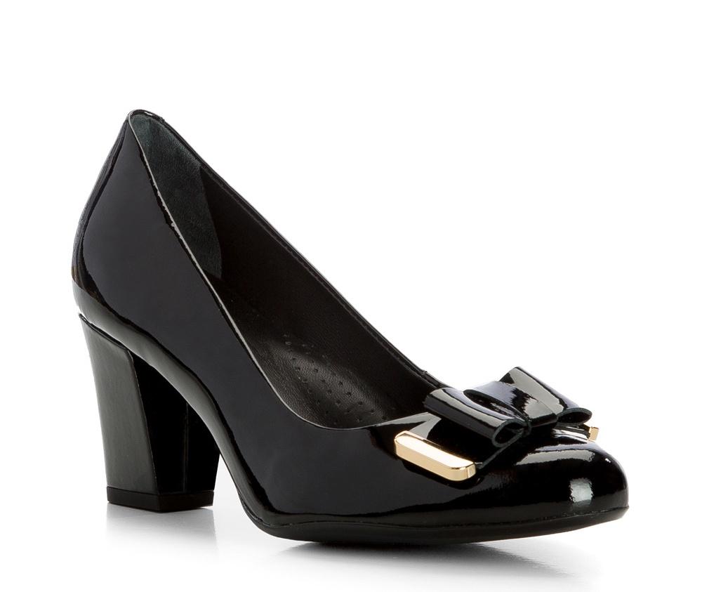 Обувь женскаяЖенские туфли-лодочки выполненны по технологии hand made из лучшей итальянской кожи. Подошва сделана  из синтетического материала. Подойдет для женщин, которые ценят классический и элегантный стиль.           кожа натуральная          кожа натуральная          материал синтетический<br><br>секс: женщина<br>Цвет: черный<br>Размер EU: 36<br>материал:: Натуральная кожа<br>примерная высота каблука (см):: 7