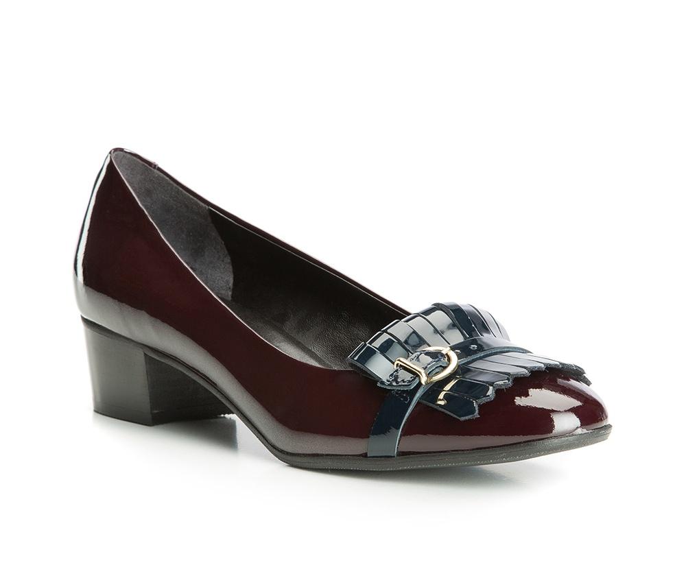 Обувь женская Wittchen 83-D-114-2, бордовыйЖенские туфли-лодочки выполненны по технологии \hand made\ из лучшей итальянской кожи. Подошва сделана  из синтетического материала. Классическая модель с добавлением  акцента на носке  приобрела неповторимый внешний вид.            кожа натуральная          кожа натуральная          материал синтетический<br><br>секс: женщина<br>Цвет: красный<br>Размер EU: 37.5<br>материал:: Натуральная кожа<br>примерная высота каблука (см):: 4