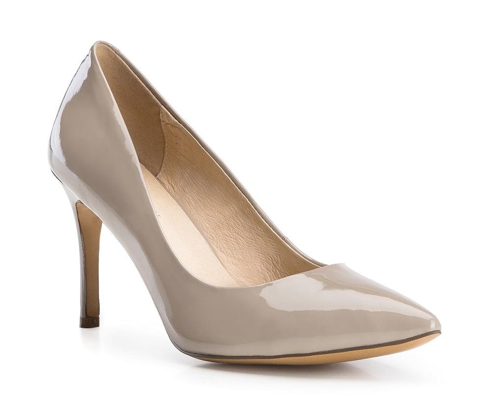 Обувь женскаяТуфли женские класические. Изготовленные по технологии Hand Made и выполнены полностью из натуральной итальянской кожи наивысшего качества. Подошва сделана из качественного синтетического материала. Сочетание классических высоких каблуков каждый раз по разному создает уникальный и модный  образ.<br><br>секс: женщина<br>Цвет: бежевый<br>Размер EU: 35<br>материал:: Натуральная кожа<br>примерная высота каблука (см):: 9