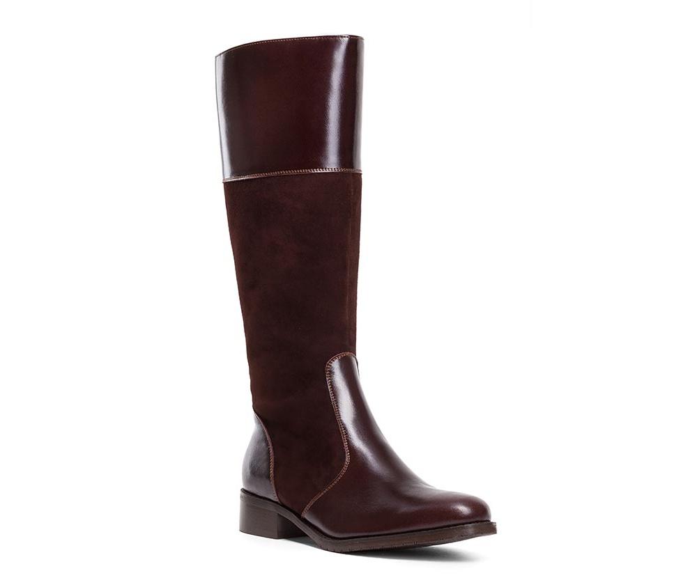 Обувь женскаяЖенские сапоги выполненны по технологии hand made из лучшей итальянской кожи. Подошва сделана  из синтетического материала. Устойчивый, низкий каблук обеспечивает удобство в повседневном ношение.         кожа натуральная           текстильный материал/ натуральная кожа         материал синтетический<br><br>секс: женщина<br>Цвет: коричневый<br>Размер EU: 35<br>материал:: Натуральная кожа<br>примерная высота каблука (см):: 3,5<br>примерная высота голенища (см): 39