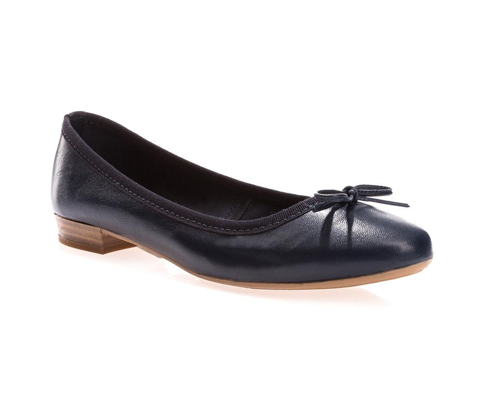Обувь женскаяБалетки женские, изготовленные по технологии \Hand Made\ и выполнены из натуральной итальянской кожи наивысшего качества. Подошва сделана из качественного синтетического материала.<br>Выразительные украшения и принты, добавляют обуви элегантности которая прийдется по вкусу даже самым требовательным клиенткам.<br><br>секс: женщина<br>Размер EU: 41