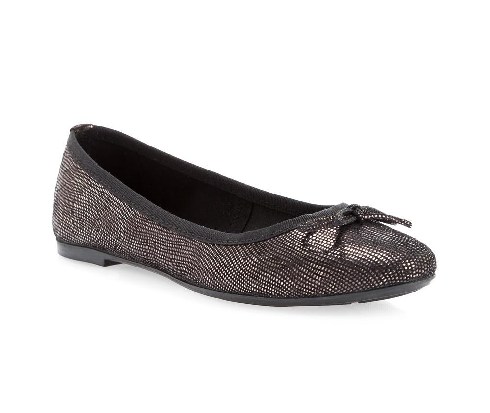 Обувь женскаяБалетки женские, изготовленные по технологии \Hand Made\ и выполнены из натуральной итальянской кожи наивысшего качества. Подошва сделана из качественного синтетического материала.<br>Выразительные украшения и принты, добавляют обуви элегантности которая прийдется по вкусу даже самым требовательным клиенткам.<br><br>секс: женщина<br>Размер EU: 40