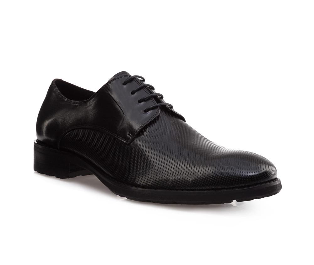 Обувь мужская Wittchen 85-M-812-1, черныйМужские ботинки выполнены по технологии \\\hand made\\\ из лучшей итальянской кожи. Подошва полностью сделана из качественного синтетического материала.<br><br>секс: мужчина<br>Цвет: черный<br>Размер EU: 42<br>материал:: Натуральная кожа<br>примерная высота каблука (см):: 3
