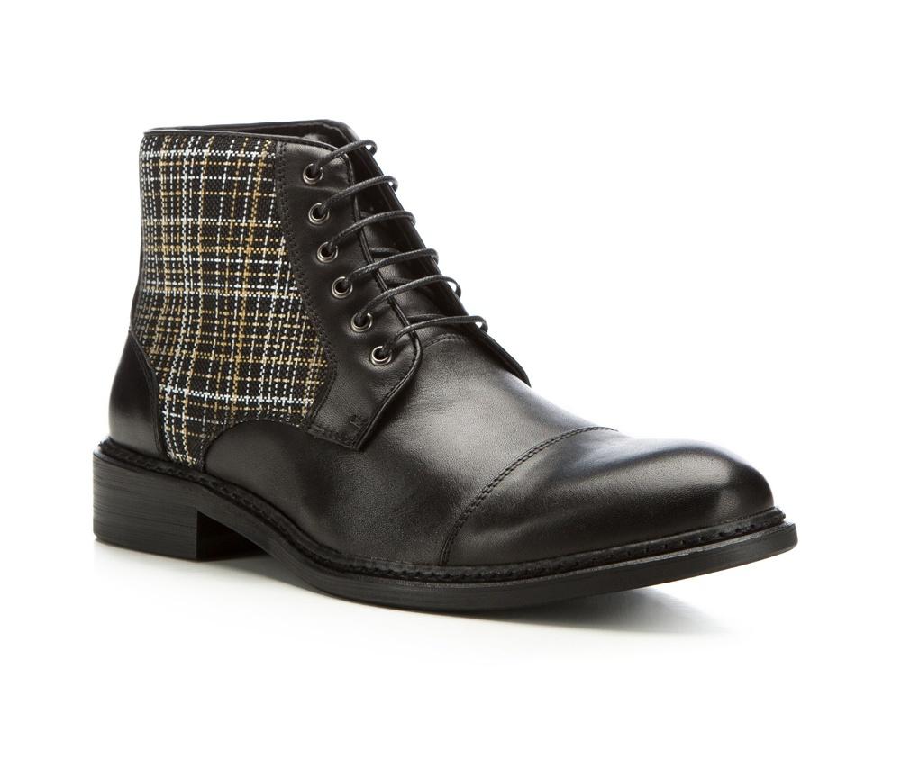 Обувь мужскаяМужские штиблеты выполнены по технологии \hand made\ из лучшей итальянской кожи. Подошва полностью сделана из качественного синтетического материала.<br><br>секс: мужчина<br>Цвет: черный<br>Размер EU: 43<br>материал:: Натуральная кожа<br>примерная высота каблука (см):: 3,5