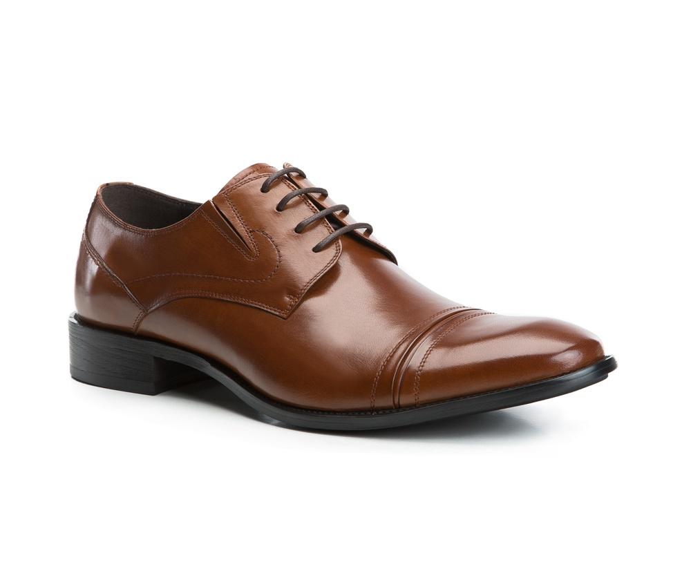 Обувь мужскаяТуфли мужские типа Дерби. Изготовленные по технологии Hand Made и выполнены полностью из натуральной итальянской кожи наивысшего качества. Подошва полностью сделана из качественного синтетического материала. Эта модель идеально подходит для тех кому нравится классика и функциональность.<br><br>секс: мужчина<br>Цвет: коричневый<br>Размер EU: 43<br>материал:: Натуральная кожа<br>примерная высота каблука (см):: 3