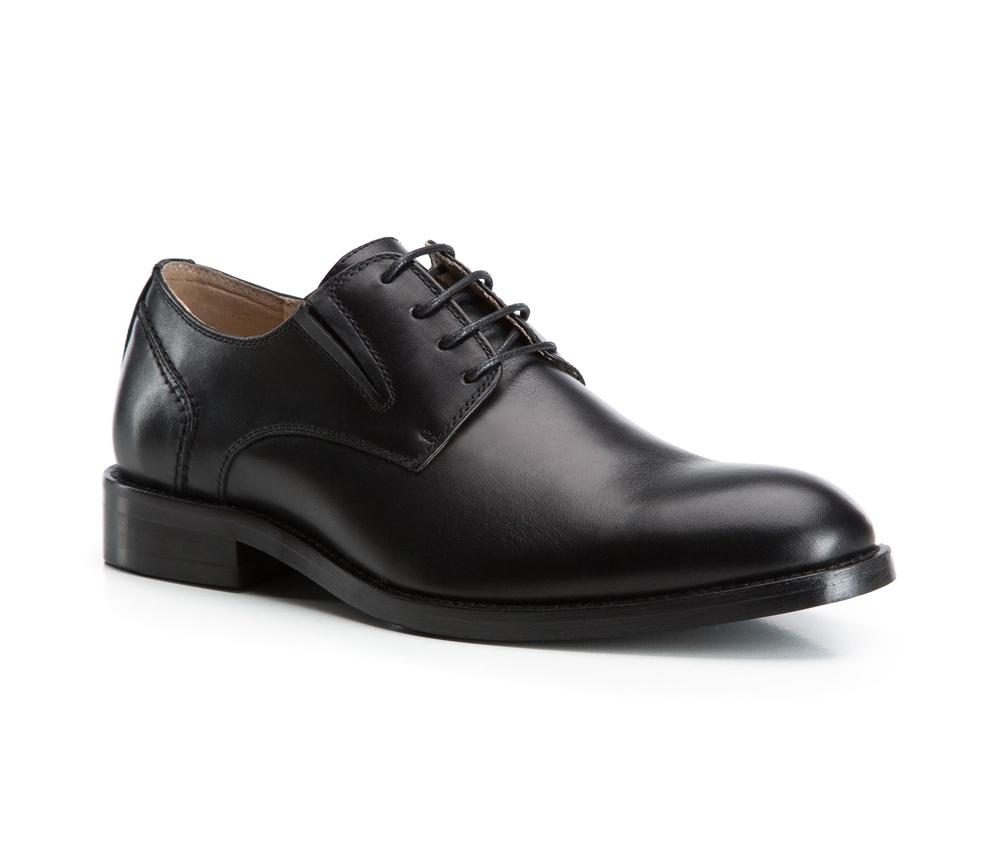 Обувь мужскаяТуфли мужские, выполнены по технологии Hand Made из натуральной итальянской кожи наивысшего качества.  Подошва сделана из качественного синтетического материала. Классическая модель идеально подчеркнет элегантный  образ. натуральная кожа  натуральная кожа синтетический материал<br><br>секс: мужчина<br>Цвет: черный<br>Размер EU: 43<br>материал:: Натуральная кожа<br>примерная высота каблука (см):: 3