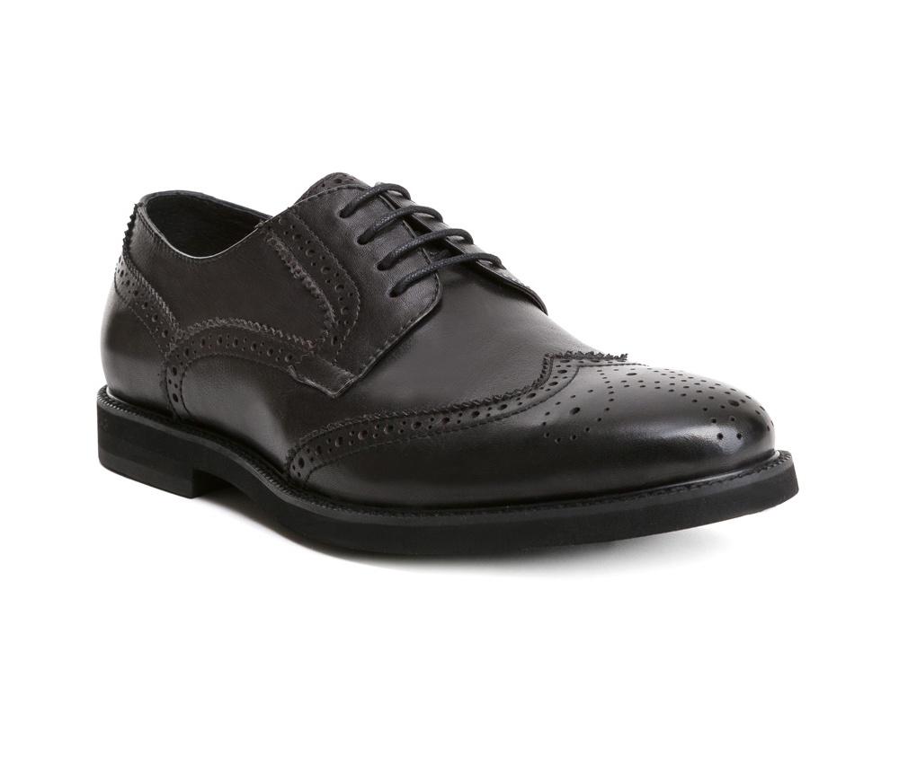 Обувь мужскаяТуфли мужские, выполнены по технологии Hand Made из натуральной итальянской кожи наивысшего качества.  Подошва сделана из качественного синтетического материала. Изысканная отделка  придаст неповторимый характер каждому образу. натуральная кожа  натуральная кожа синтетический материал<br><br>секс: мужчина<br>Цвет: черный<br>Размер EU: 40<br>материал:: Натуральная кожа<br>примерная высота каблука (см):: 2,5
