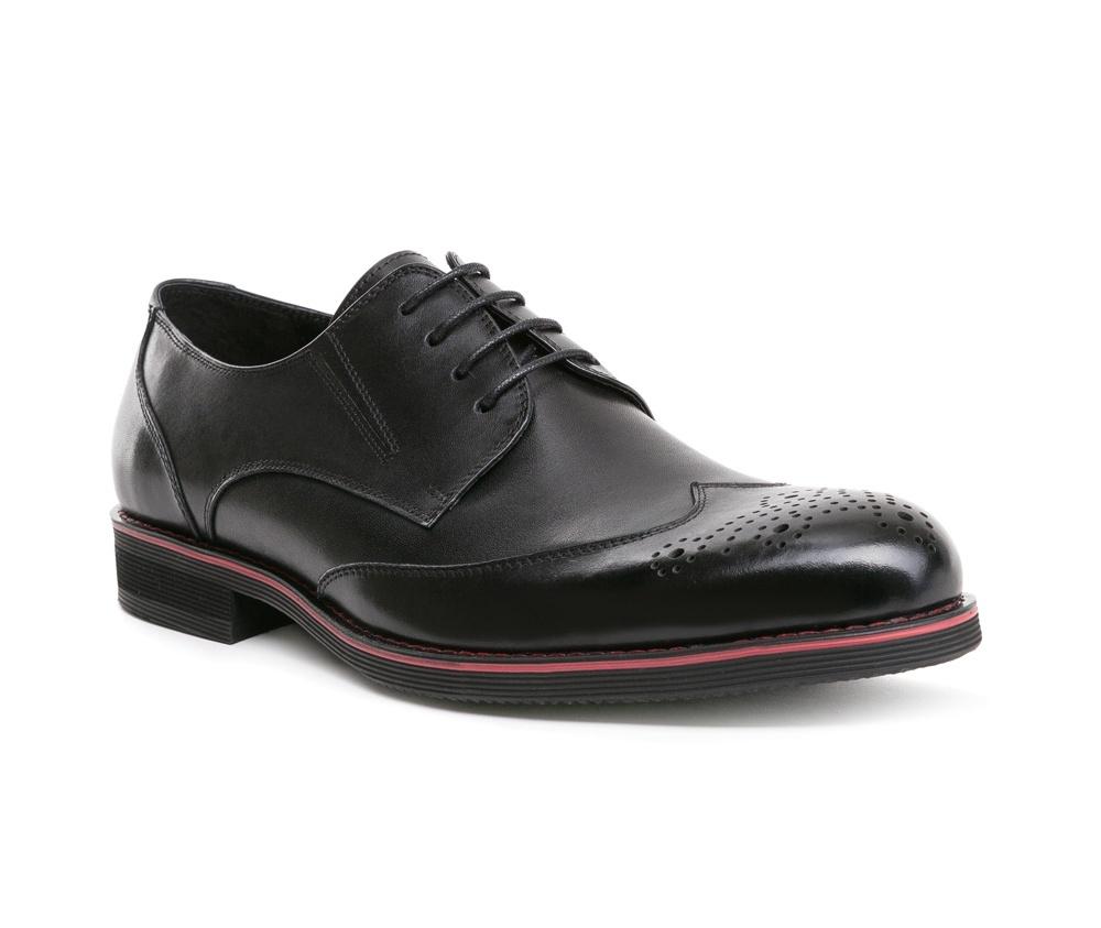 Обувь мужскаяТуфли мужские, выполнены по технологии Hand Made из натуральной итальянской кожи наивысшего качества.  Подошва сделана из качественного синтетического материала. Туфли являются обязательным элементом базового гардероба и идеально сочетаются с классическим стилем. натуральная кожа  натуральная кожа синтетический материал<br><br>секс: мужчина<br>Цвет: черный<br>Размер EU: 42<br>материал:: Натуральная кожа<br>примерная высота каблука (см):: 2,5