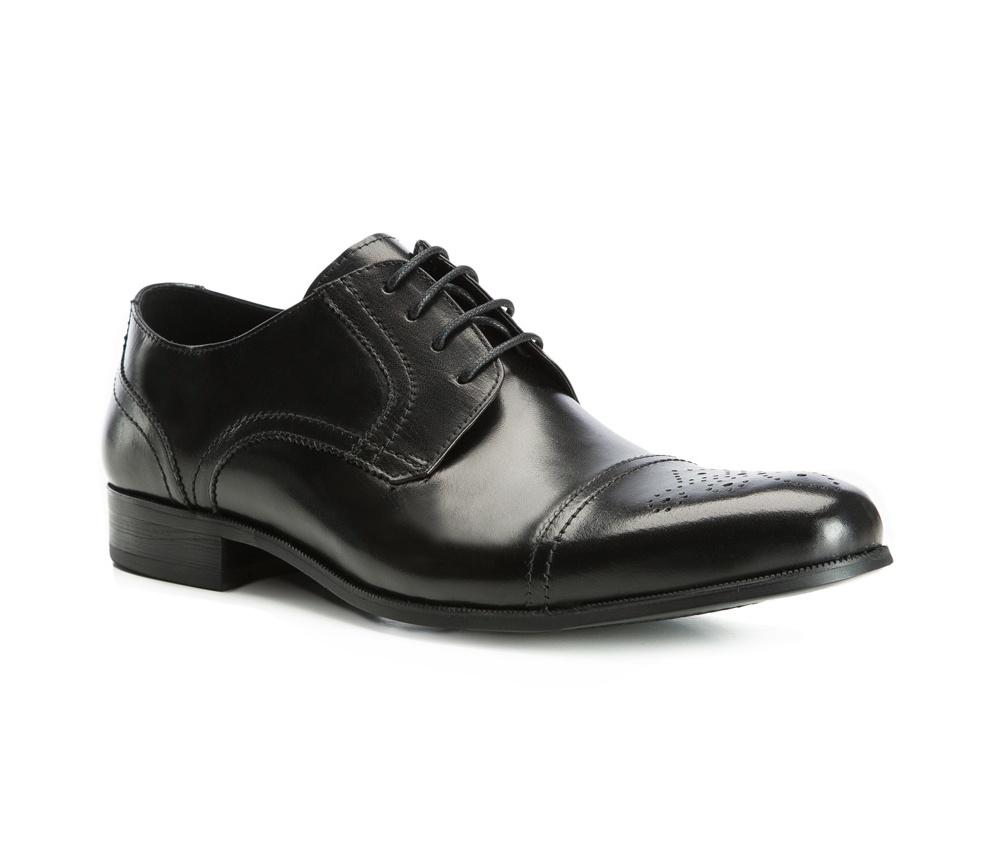 Обувь мужскаяТуфли мужские. Изготовленные по технологии Hand Made выполнены полностью из натуральной итальянской кожи наивысшего качества. Подошва  сделана из качественного синтетического материала. Эта модель безусловно, должна привлечь внимание мужчин, которые любят свободный городской стиль.<br><br>секс: мужчина<br>Цвет: черный<br>Размер EU: 43<br>материал:: Натуральная кожа<br>примерная высота каблука (см):: 3