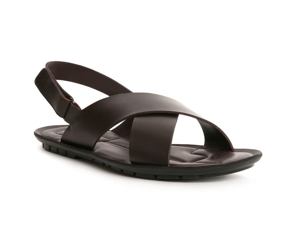 Обувь мужскаяСандалии мужские выполнены по технологии Hand Made из натуральной итальянской кожи наивысшего качества.  Подошва сделана из качественного синтетического материала. Модель, фасон который был выполнен в классическом стиле, выглядит модно во все времена.  натуральная кожа  натуральная кожа синтетический материал<br><br>секс: мужчина<br>Цвет: коричневый<br>Размер EU: 41<br>материал:: Натуральная кожа