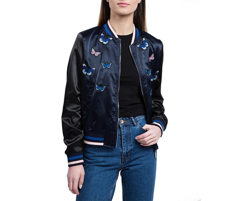 Куртка женскаяКуртка изготовлена ??из высококачественного материала. Модель застегивается на молнию,  с коротким стоячим воротником, имеет два открытых кармана. Куртка очень легкая, и комфортная. Интересный узор украшающий куртку, добавит стиля каждой даме.<br><br>секс: женщина<br>Цвет: синий<br>Размер INT: XL<br>материал:: Полиэстер<br>подкладка:: полиэстер<br>примерная общая длина (см):: 55