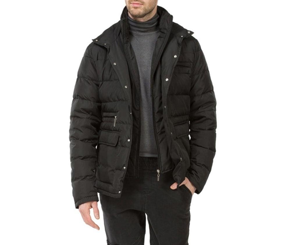 Куртка мужскаяМужская куртка ,сделана из материалов высокого качества. Модель застегивается на кнопоки. Воротник-стойка на молнии с возможностью полного отстегивания Кроме того, модель имеет 4 кармана внешних - 2 на молнии и 2 открытых, а так же открытый внутренний карман.Модель наполнена натуральным пухом. Простой фасон куртки отлично сочетается с повседневным гардеробом.<br><br>секс: мужчина<br>Цвет: черный<br>Размер INT: L<br>материал:: Полиэстер<br>подкладка:: полиэстер<br>примерная общая длина (см):: 75