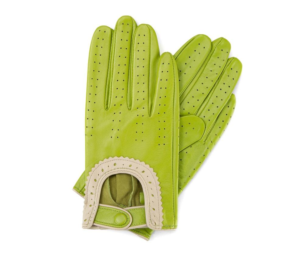 Перчатки женскиеЖенские автомобильные перчатки, изготовлены из натуральной кожи высокого качества. Застежка для легкого надевания и интересная отделка делают перчатки практичными и в то же время очень женственными.       Размер V  S  M  L  XL  Длина (см) 19  19,5  20  20,5  21 Ширина (см) 7,5  8  8,5  9  9,5 Длина среднего палеца (см) 7,5 8 8,5 9 9,5<br><br>секс: женщина<br>Цвет: зеленый<br>Размер INT: V<br>вид:: автомобильные<br>материал:: Натуральная кожа