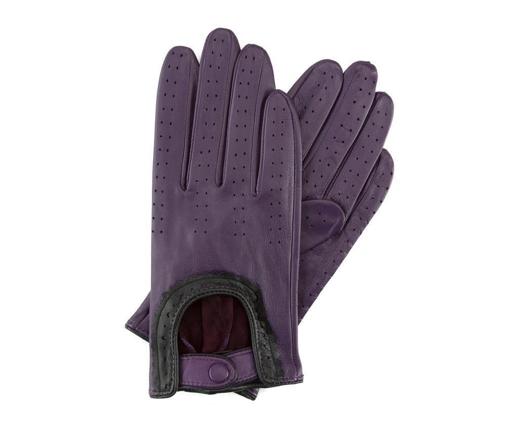 Перчатки женскиеЖенские автомобильные перчатки, изготовлены из натуральной кожи высокого качества. Застежка для легкого надевания и интересная отделка делают перчатки практичными и в то же время очень женственными.       Размер V  S  M  L  XL  Длина (см) 19  19,5  20  20,5  21 Ширина (см) 7,5  8  8,5  9  9,5 Длина среднего палеца (см) 7,5 8 8,5 9 9,5<br><br>секс: женщина<br>Цвет: фиолетовый<br>Размер INT: V<br>вид:: автомобильные<br>материал:: Натуральная кожа