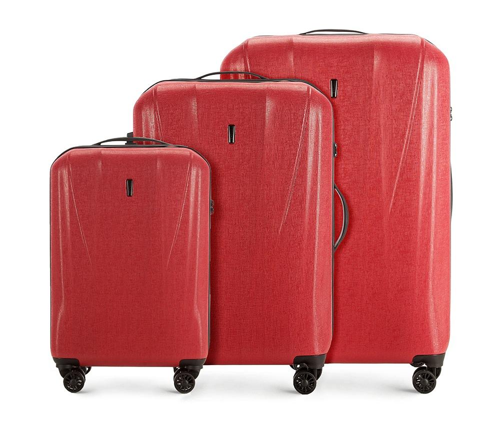 Комплект чемодановКомплект чемоданов<br><br>секс: унисекс<br>материал:: Поликарбонат<br>высота (см):: 57 - 68 - 78<br>ширина (см):: 36 - 44 - 52<br>глубина (см):: 20 - 25 - 29<br>размер:: комплект<br>объем (л):: 33 - 60 - 95<br>вес (кг):: 2.5 - 2.9 - 3.7<br>Комплекты: так