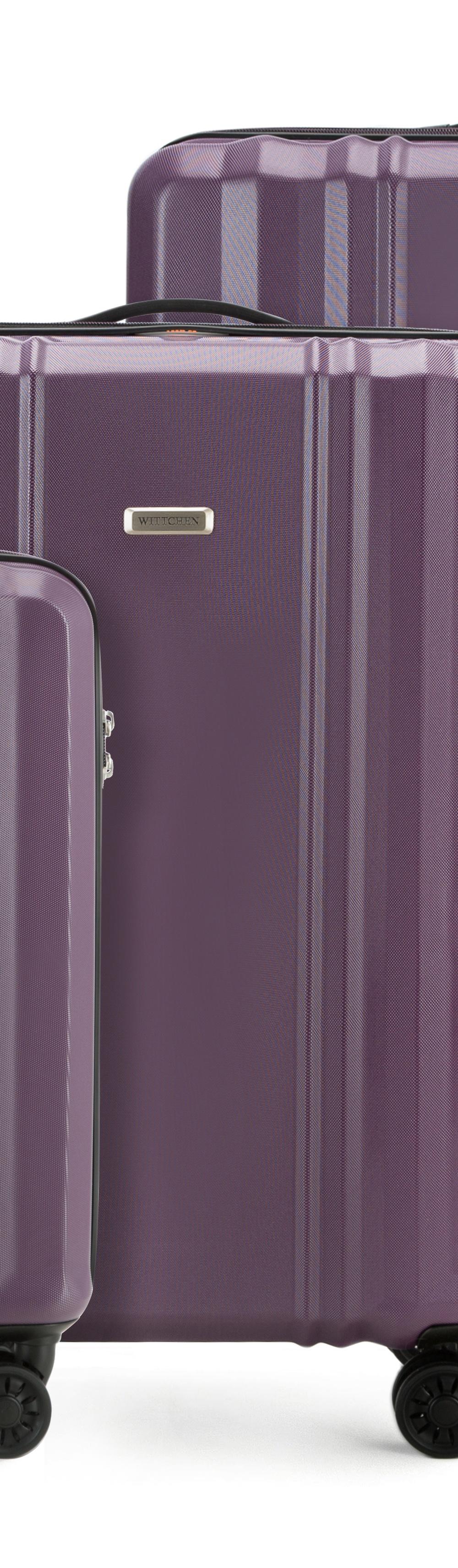 Комплект чемодановКомплект чемоданов из коллекции BB-Line, сделан из прочного   материала - поликарбонат. Оснащен четырьмя колесами с подшипниками,   телескопической ручкой, двумя эластичными, резиновыми ручками для   ношения в руке и замоком TSA,который очень удобен  в случае проверки   багажа таможенной службой.&#13;<br>&#13;<br>Внутри : &#13;<br>- отделение с эластичными  ремнями, предохраняющими одежду от перемещения;  &#13;<br>- отделение на молнии;   &#13;<br>- карман на молнии.&#13;<br>&#13;<br>В комплект входит:&#13;<br>- маленький чемодан 56-3P-931;&#13;<br>- средний чемодан 56-3P-932 ;&#13;<br>- большой чемодан 56-3P-933.<br><br>секс: унисекс<br>Цвет: фиолетовый<br>подкладка:: poliester<br>высота (см):: 55 - 66 - 75<br>ширина (см):: 36 - 44 - 52<br>глубина (см):: 20 - 27 - 32<br>размер:: zestaw<br>объем (л):: 31 - 61 - 102<br>вес (кг):: 2,2 - 3,3 - 4,1