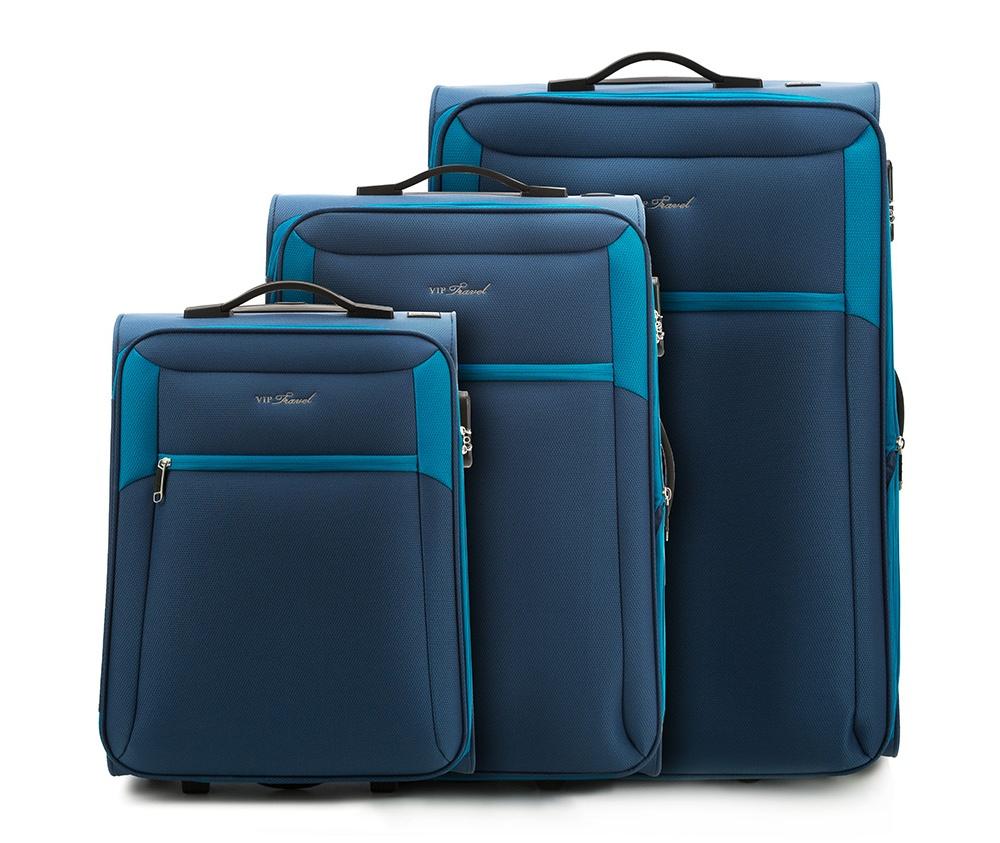 Комплект чемодановКомплект чемоданов из коллекции VIP Collection выполнен из полиэстера.Имеет два колеса и подножку, что поддерживает стабильность чемодана.  Дополнительно  телескопическая ручка, обеспечивающая удобство передвижения чемодана и кодовый замок.  Внутри:    основное отделение на молнии с регулируемыми ремнями, предохраняющими одежду от перемещения.;  2 кармана на молнии.   Снаружи:    С лицевой стороны карман на молнии.    В состав комплекта входит  Маленкий чемодан V25-3S-231;  Средний чемодан V25-3S-232;  Большой чемодан V25-3S-233.<br><br>секс: унисекс<br>материал:: Полиэстер<br>Комплекты: так