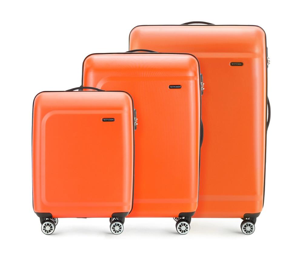 Комплект чемодановКомплект чемоданов из коллекции TP-Power изготовлен из термопластичного полимера - инновационного материала, который характеризуется высокой прочностью.Имеет четыре поворотных колеса,подножку для стабилности, телескопическую ручку и дополнительную ручку, облегчающие перемещение багажа. В состав комплекта входят: Маленький чемодан на колесах 56-3H-511 средний, чемодан на колесах 56-3H-512, большой чемодан на колесиках 56-3H-513. Внутри: - основное отделение на молнии с регулируемыми ремнями, которые предохраняют одежду от перемещения; - карман -сетка на молнии; - два кармана на молнии.<br><br>секс: унисекс<br>Цвет: оранжевый<br>материал:: Полимер<br>подкладка:: полиэстер<br>высота (см):: 54 - 67 - 77<br>ширина (см):: 39 - 45 - 51<br>глубина (см):: 19 - 26 - 29<br>размер:: комплект<br>вес (кг):: 2,6 - 3,4 - 4,7<br>объем (л):: 31 - 62 - 91<br>Комплекты: так