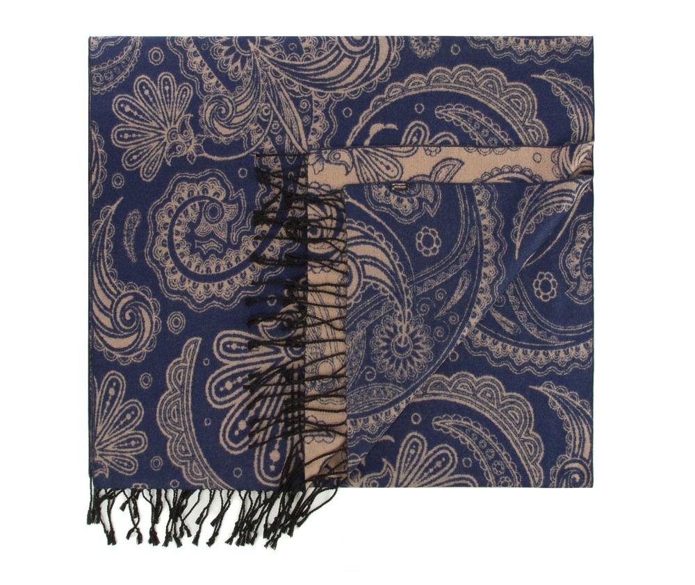Платок женскийЖенская шаль выполнена из шелка с знаком наивысшего качества King Silk. Интересные мотивы, украшающие шарф отлично разнообразят классику,а благородный материал обеспечивает защиту в холодную погоду.<br><br>секс: женщина<br>Цвет: синий<br>материал:: Шелк