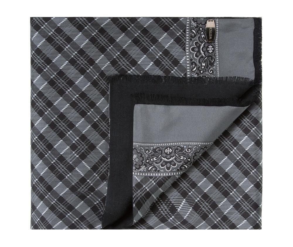 Шарф мужскойДвусторонний мужской шарф выполнен из нежного, роскошного шелка и шерсти. Шарф  отличное дополнение к мужскому образу.<br><br>секс: мужчина<br>Цвет: черный<br>материал:: Шелк<br>высота (см):: 146<br>ширина (см):: 26