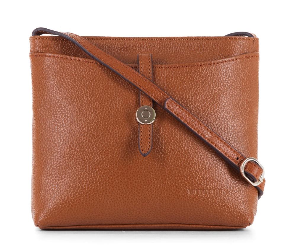 Женская сумкаЖенская сумка из коллекции Elegance&#13;<br>Основной отдел застегивается на молнию. Внутри карман на молнии и открытый карман для мелких предметов.Снаружи на лицевой стороне открытый карман закрывается ремешком. С тыльной стороны карман застегивается на молнию. Есть возможность регулировать длину ремня.<br><br>секс: женщина<br>Цвет: коричневый<br>материал:: Натуральная кожа<br>длина плечевого ремня (cм):: 110 - 123<br>высота (см):: 17<br>ширина (см):: 20<br>глубина (см):: 5