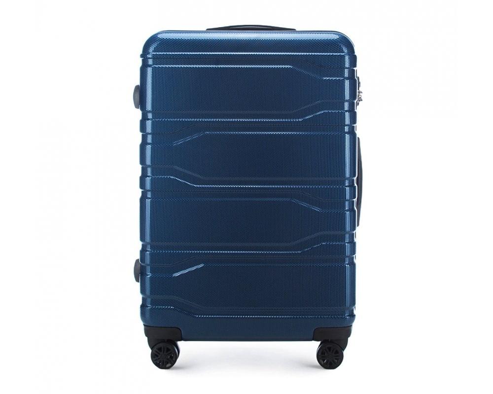 Чемодан на колёсикахБольшой чемодан из коллекции Trail Style, выполнен из очень прочного материала - поликарбоната. Модель оснащена  4 колесиками, телескопической ручкой,эластичной  и  прорезиненной ручкой для ношения в руке. Дополнительно кодовый замок TSA. , который гарантирует безопасное открытие чемоданов и его повторное закрытие без повреждения замка сотрудниками таможни.  Внутри :    отделение с эластичными ремнями, предохраняющими одежду от перемещения;  отделение на молнии;  карман на молнии.   *Указанные размеры включают в себя также выступающие элементы, такие как ручки или колеса.<br><br>секс: унисекс<br>Цвет: синий<br>материал:: Поликарбонат<br>подкладка:: полиэстр<br>высота (см):: 77<br>ширина (см):: 51<br>глубина (см):: 28<br>размер:: большой<br>объем (л):: 94<br>вес (кг):: 4,1