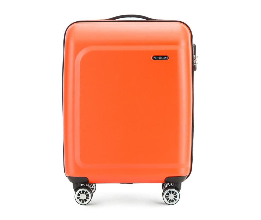 Чемодан на колесиках 19 дюймовМаленький чемодан из коллекции TP-Power , сделан из термопластичного полимера. Четыре прочных колеса позволяют легко перемещать чемодан. Телескопическая ручка и дополнтильная прорезиненная ручка делают предвежение багажа более комфортным. Чемодан соответствует требованиям ручной клади.  Особенности модели:  основное отделение на молнии с регулируемыми ремнями;  карман из сетки на молнии;  2 кармана на молнии.<br><br>секс: унисекс<br>Цвет: оранжевый<br>материал:: Полимер<br>подкладка:: полиэстер<br>высота (см):: 54<br>ширина (см):: 39<br>глубина (см):: 19<br>размер:: маленький<br>объем (л):: 31<br>вес (кг):: 2,6