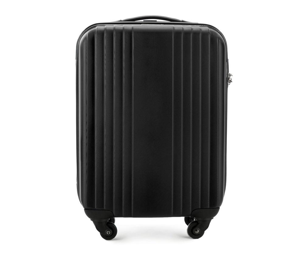 Чемодан на колесиках 18\\Маленький чемодан из коллекции Hardy Line, сделан из ударопрочного поликарбоната. Чемодан имеет 4 двойных колесика, двухступенчатую выдвижную алюминиевую ручку и две резиновые ручки: сверху и сбоку. Современный и оригинальный дизайн чемодана подчеркивает красная нить вплетенная в молнию. Чемодан имеет двойную молнию, функцию  \AntiTheft\, благодаря которой чемодан устойчив к нежелательному открытию острым предметом, кодовый замок с функцией TSA. Внутри: два отделения для одежды, один отдел фиксируется ремнями на застежку и второй закрывается на молнию; 2 сетчатых кармана на молнии.<br><br>секс: унисекс<br>Цвет: черный