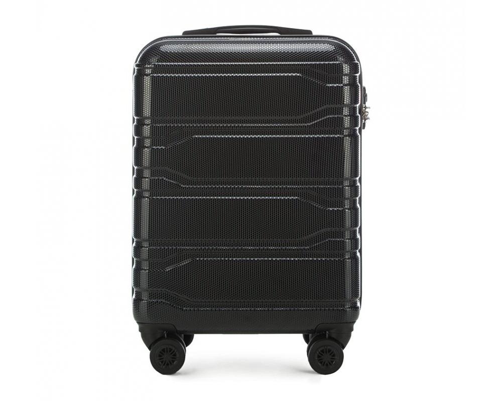 Чемодан на колёсикахМаленький чемодан из коллекции Trail Style, выполнен из очень прочного материала - поликарбоната. Модель оснащена  4 колесиками, телескопической ручкой,эластичной  и  прорезиненной ручкой для ношения в руке. Дополнительно кодовый замок TSA. , который гарантирует безопасное открытие чемоданов и его повторное закрытие без повреждения замка сотрудниками таможни.Чемодан соответствует требованиям ручной клади.  Внутри :    отделение с эластичными ремнями, предохраняющими одежду от перемещения;  отделение на молнии;  карман на молнии.   *Указанные размеры включают в себя также выступающие элементы, такие как ручки или колеса.<br><br>секс: унисекс<br>Цвет: черный<br>материал:: Поликарбонат<br>подкладка:: полиэстр<br>высота (см):: 53<br>ширина (см):: 38<br>глубина (см):: 20<br>размер:: маленький<br>объем (л):: 33<br>вес (кг):: 2,5