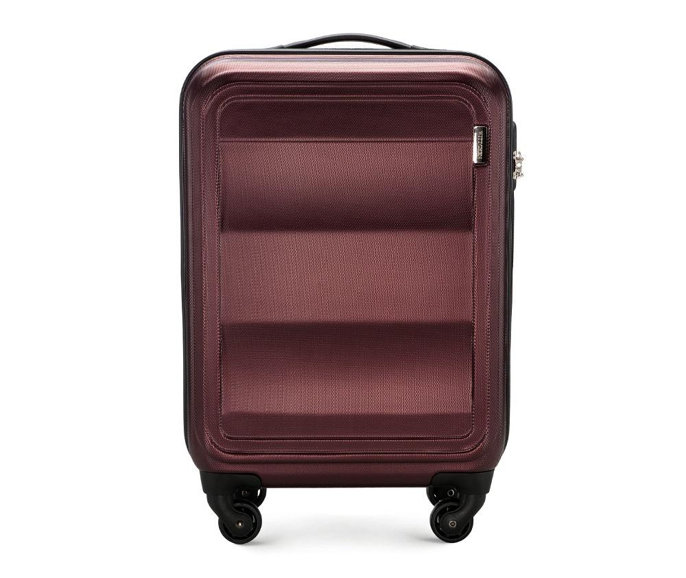 Чемодан на колесиках 20\\Маленький чемодан из коллекции Wave Line. Выполнен из высокопрочного пластика ABS. Имеет четыре колеса для легкого перемещения, двухступенчатую выдвижную ручку с фиксатором, дополнительную резиновую ручку и лицензионный кодовый замок TSA.&#13;<br>Особенности модели:&#13;<br>&#13;<br>    основное отделение с эластичными ремешками и застежкой-молнией;&#13;<br>    отделение на молнии&#13;<br>    карман-сетка на молнии.<br><br>секс: унисекс<br>Цвет: красный<br>материал:: ABS пластик<br>подкладка:: полиэстер 210D<br>высота (см):: 55<br>ширина (см):: 38<br>глубина (см):: 20<br>вес (кг):: 2.6<br>объем (л):: 32