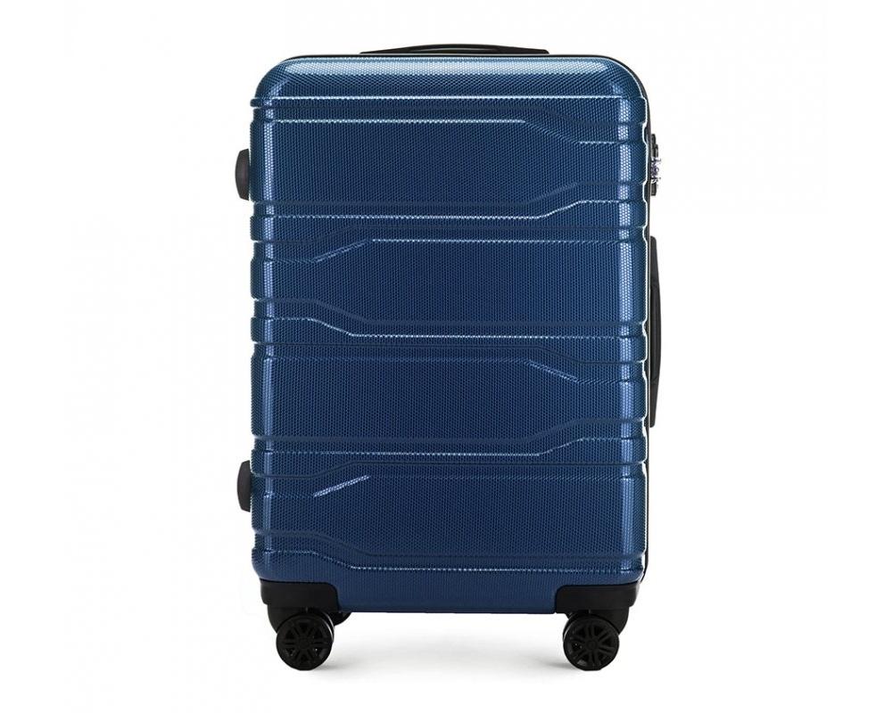 Чемодан на колёсикахСредний чемодан из коллекции Trail Style, выполнен из очень прочного материала - поликарбоната. Модель оснащена  4 колесиками, телескопической ручкой,эластичной  и  прорезиненной ручкой для ношения в руке. Дополнительно кодовый замок TSA. , который гарантирует безопасное открытие чемоданов и его повторное закрытие без повреждения замка сотрудниками таможни.  Внутри :    отделение с эластичными ремнями, предохраняющими одежду от перемещения;  отделение на молнии;  карман на молнии.   *Указанные размеры включают в себя также выступающие элементы, такие как ручки или колеса.<br><br>секс: унисекс<br>Цвет: синий<br>материал:: Поликарбонат<br>подкладка:: полиэстр<br>высота (см):: 67<br>ширина (см):: 44<br>глубина (см):: 24<br>размер:: средний<br>объем (л):: 58<br>вес (кг):: 3,3
